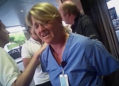 بالفيديو| الشرطة الأمريكية تعتذر لممرضة اعتدى عليها شرطي خلال عملها