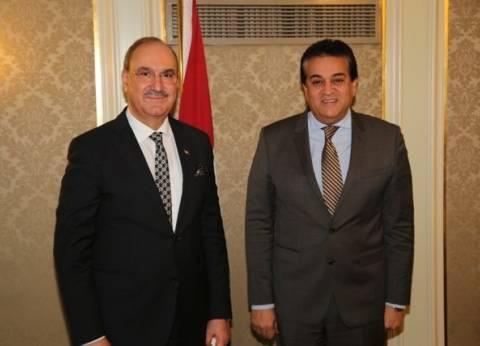 وزير التعليم العالي يبحث آليات التعاون العلمي مع العراق