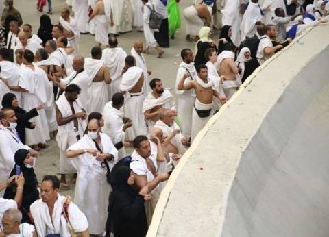 ضيوف الرحمن يبدأون رمي الجمرات الثلاثة بمشعر منى بمكة المكرمة