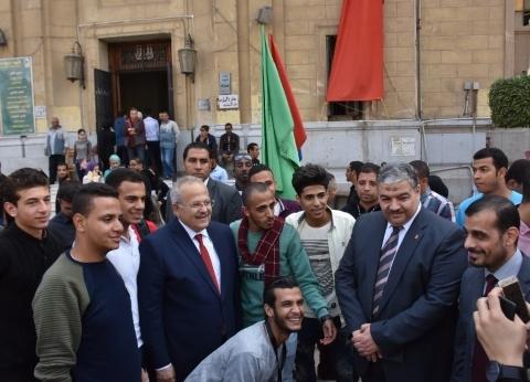 بالصور| الخشت يتفقد سير المرحلة الأولى لانتخابات اتحاد الطلاب