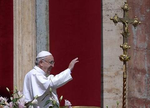 """البابا فرنسيس يغادر """"البطرسية"""" بعد ترأس قداس إلهي على ضحاياها"""