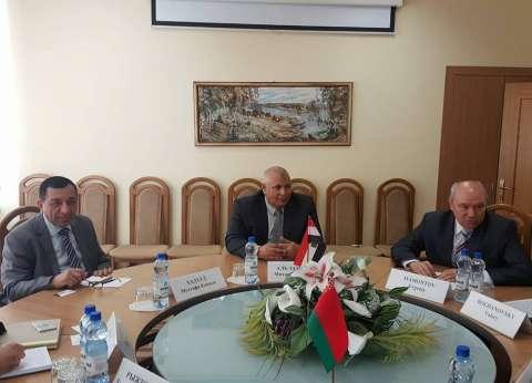 محافظ الوادي الجديد يبحث سبل التعاون مع وزير التجارة البيلاروسي