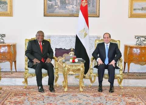 """السيسي لـ""""رامافوزا"""": علينا صياغة رؤية أفريقية للتعامل مع أزمات القارة"""