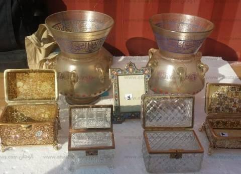 التحقيق في محاولة تهريب 14 قطعة أثرية قادمة من إنجلترا عبر ميناء دمياط