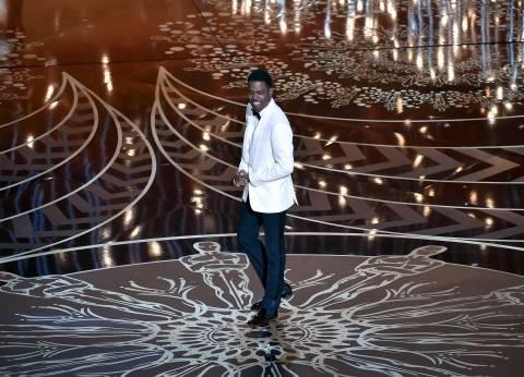 """مقدم """"الأوسكار"""" يسخر من عدم ترشح النجوم السود لجوائز الحفل"""