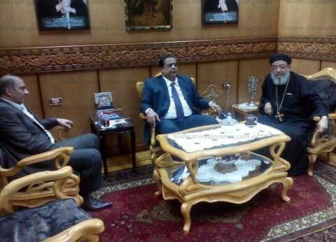 مدير أمن كفر الشيخ يعزي قيادات الكنيسة في شهداء حادثي طنطا والإسكندرية