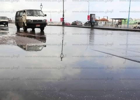 سقوط أمطار خفيفة على شمال سيناء.. وسيارات تجوب الشوارع لكسح المياه