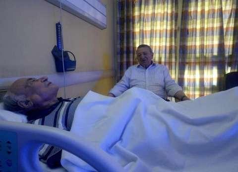 """مصطفى السيد يزور يوسف والي في مستشفى الزراعيين: """"صاحب فضل"""""""
