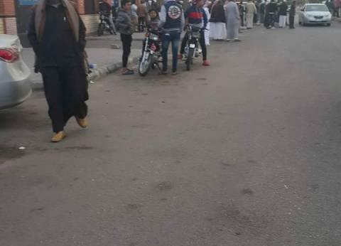 توافد أهالي مصابي العريش على المستشفى الجامعي بالإسماعيلية