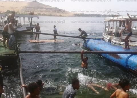 شرطة المسطحات تطارد طلاب يسبحون بالزي المدرسي في نهر النيل بأسوان