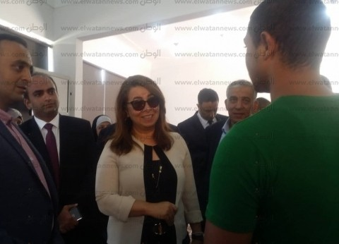 بالصور| وزيرة التضامن الاجتماعي تتفقد مجمع الدفاع وسط الإسكندرية