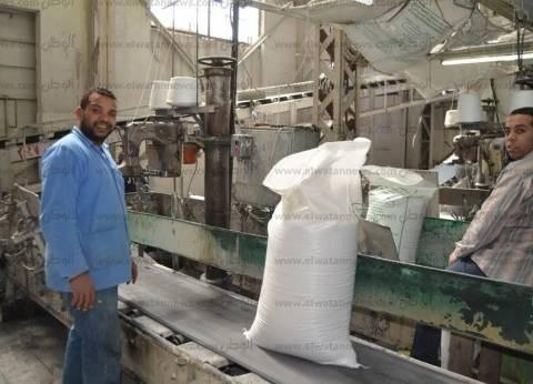 محافظ قنا يزور مصنعي السكر ولب الورق بقوص