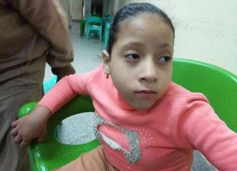 10 سنوات من ألم «الصلب المشقوق»: «روميساء» فقدت القدرة  على الحركة.. وتحلم بـ«كرسى كهربائى»