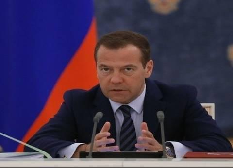بروتوكوليا.. ما دلالة دعوة رئيس الوزراء الروسي السيسي إلى منزله؟