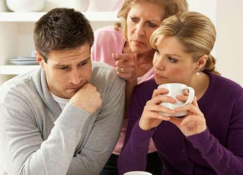 استشاري صحة نفسية: التدخلات الخارجية في العلاقة الزوجية تؤدي للخيانة