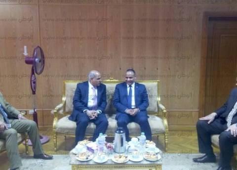 رئيس أكاديمية البحث العلمي يتفقد كليات جامعة كفر الشيخ احتفالا بعيدها