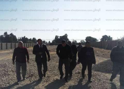 بالصور  رئيس مدينة كفر الشيخ يتفقد وحدة الرصف وشونة المرور