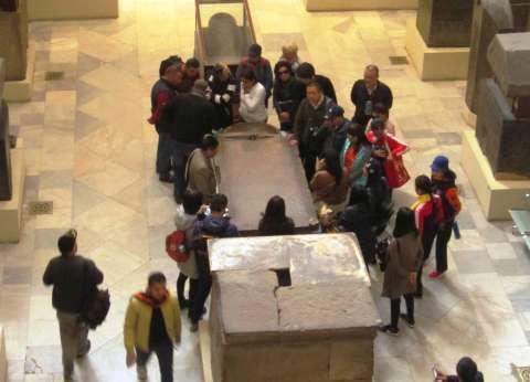 إقبال على المتحف المصرى.. وبائع فى «القلعة»: «أول مرة نشوف الأعداد دى من 5 سنين»