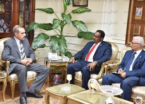 """محافظ أسيوط يلتقي وفد منظمة الأغذية والزراعة """"FAO"""""""