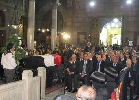 بالأسماء| المشاركون في صلاة جنازة بطرس غالي