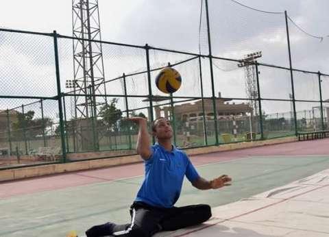 """""""شريف"""" يتحدى إعاقته بالدراسة والرياضة: بحلم أمثل مصر في بطولة العالم"""