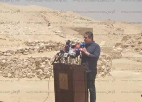 وزير الآثار ينفي تقطيع مقبرة توت عنخ آمون: رفضت إحداث ثقب بجدارها