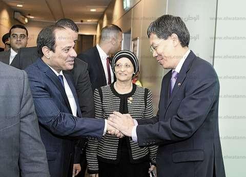 الرئيس يبدأ جولته بزيارة مركز «الوئام الدينى» وأكبر محطة لتحلية المياه
