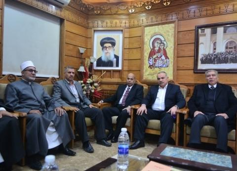 رئيس جامعة المنيا يقدم التهنئة للأقباط بمناسبة عيد الميلاد المجيد