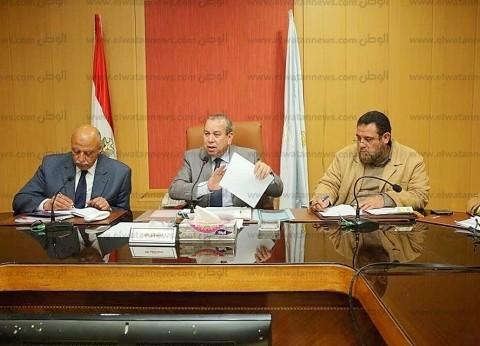 محافظ كفر الشيخ يتفقد أعمال تطهير المجاري المائية