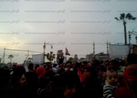 """""""شباب من أجل مصر"""" يحتفلون في محيط جامعة القاهرة"""