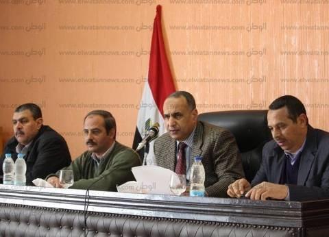 بالصور| رئيس مدينة دسوق يناقش شكاوى المواطنين ويوجه بإعداد تقارير بها