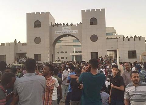 مقتل ضابط و4 متظاهرين بالرصاص في السودان