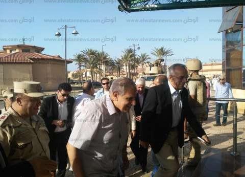 محلب يتفقد مستشفى الشيخ زويد والمقار الأمنية بشمال سيناء