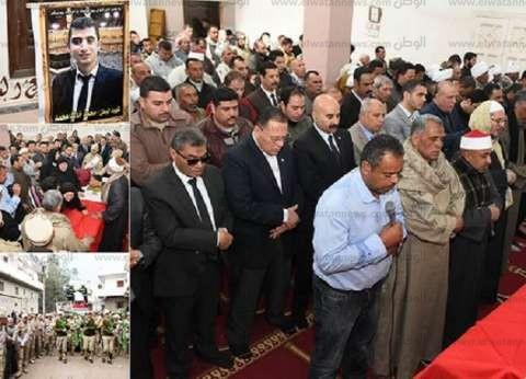 بالصور| محافظ الشرقية يتقدم جنازة شهيد الدرب الأحمر