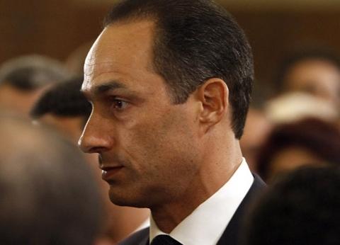 جمال مبارك وأحمد شفيق يعزيان في زوجة أحمد فتحي سرور