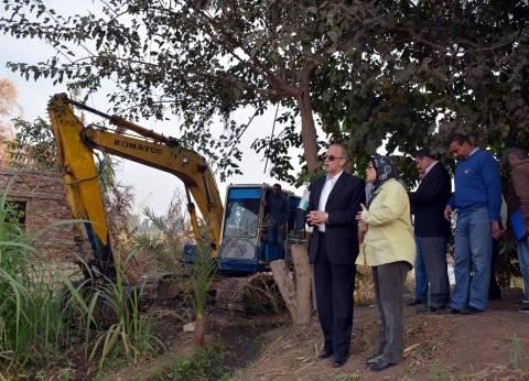 محافظ القليوبية يقود حملة مكبرة لإزالة التعديات على نهر النيل ببنها