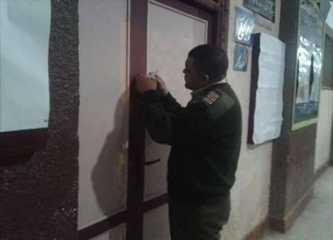 إيقاف التصويت بلجنة بالقناطر لاكتشاف مواطن بداخلها بعد إغلاقها للصلاة