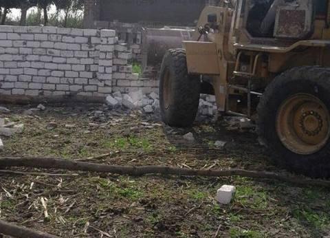 إزالة 25 حالة تعد على أراض زراعية في كوم حمادة بالبحيرة