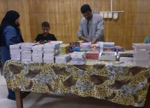 إقبال على معارض بيع الأدوات المدرسية بأسعار مخفضة في جنوب سيناء