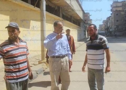 بالصور| رئيس مدينة قطور يتابع الخدمات بالشوارع في الغربية