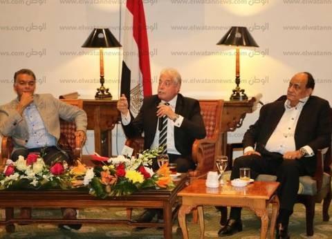 بالصور| محافظ جنوب سيناء يتلقى التهاني بتجديد الثقة فيه