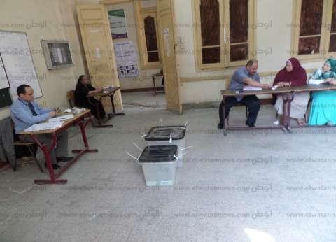 طوابير السيدات الانتخابية في دائرة دار السلام تسبب تكدسا بشارع أحمد زكي