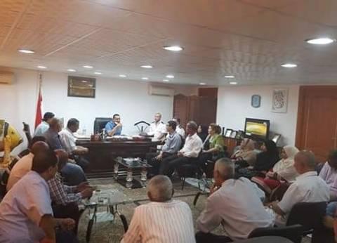رئيس مدينة سفاجا يجتمع بمسؤلي التعليم لبحث استعدادات العام الدراسى الجديد
