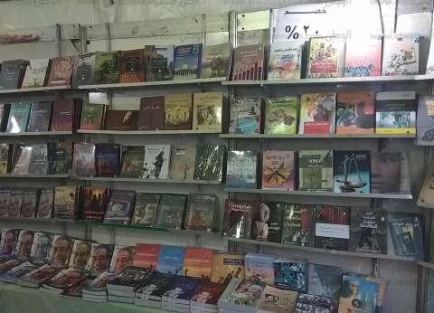 بالصور| افتتاح معرض كتاب بالكنيسة المرقسية بالتعاون مع هيئة الكتاب