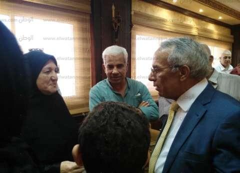 محافظا شمال سيناء يكرمان ناشطة على جهودها في العمل التطوعي