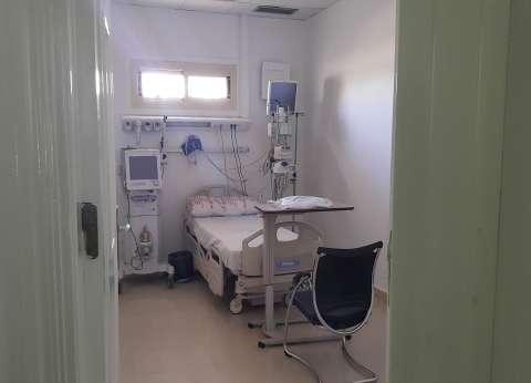 """""""مميش"""" يتفقد مستشفيات القناة.. ويوجه بتقديم جميع الخدمات للمصابين"""