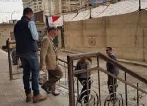 مراقب دولي وموظفون من السفارة الأمريكية يتابعون لجان مدينة نصر