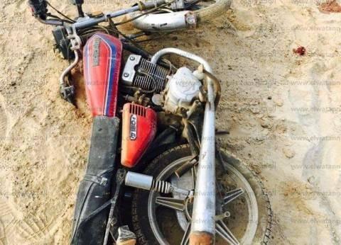 رفع 12 سيارة ودراجة نارية متروكة في ميدان العتبة