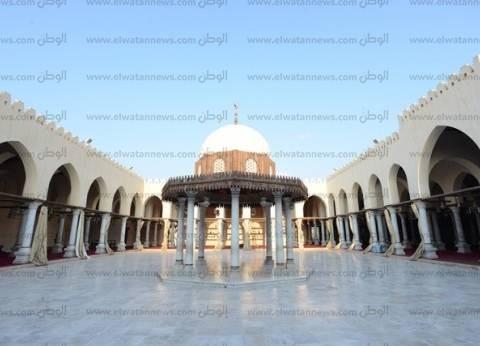 جامع «عمرو بن العاص».. ثانى مسجد بُنى فى مصر مهدد بـ«تسرب مياه الأمطار»