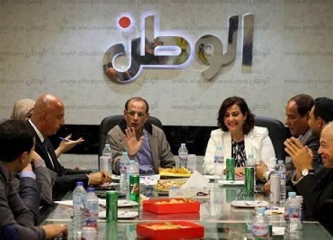 نائب وزير الزراعة: الرئيس وجه بعدم فتح استيراد الدواجن على مصراعيه